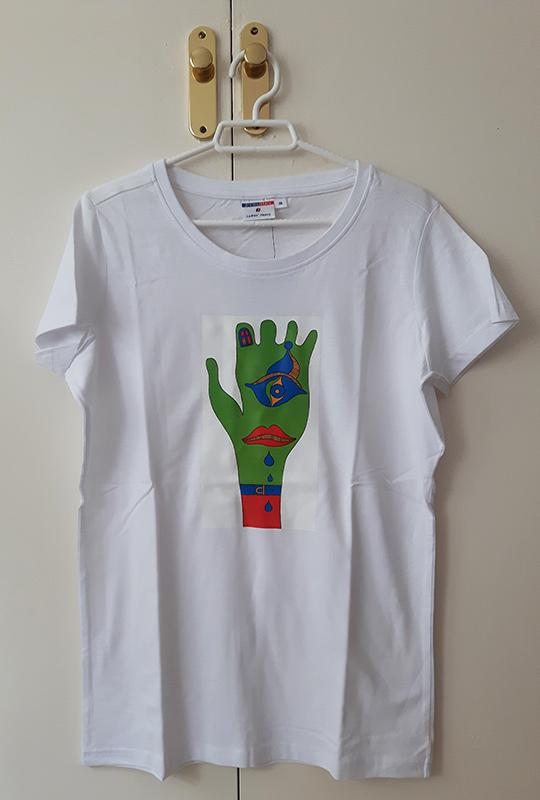 kolorowy nadruk na koszulkach